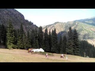 Подъем к водопаду «Девичьи косы», Киргизия