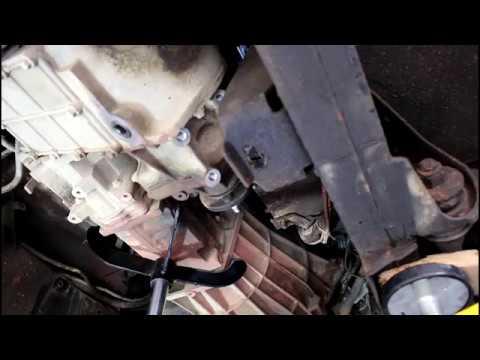 Замена маховика и комплекта сцепления 2часть Land Rover Defender Ленд Ровер Дефендер 2005 года