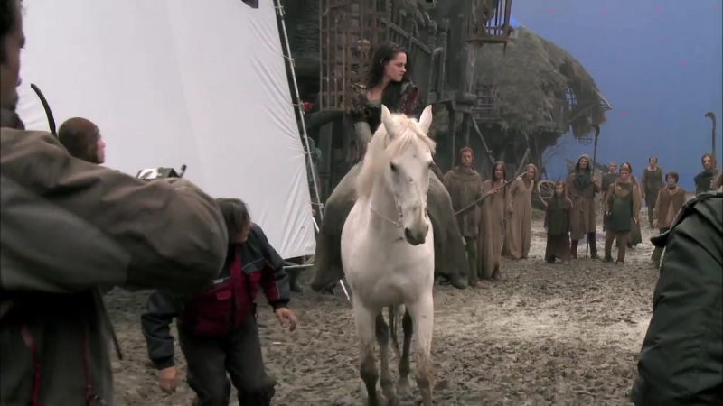 Snow White and the Huntsman - Horseback Riding