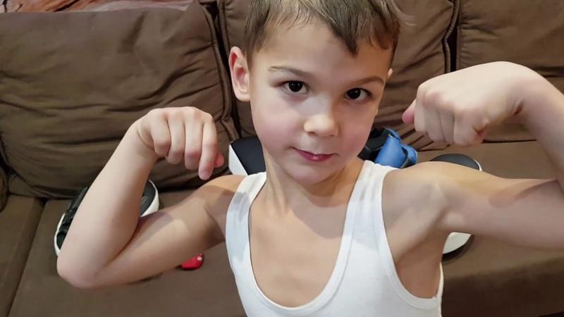 Отец тренирует сына Домашние тренировки FCF MMA Как воспитать сына