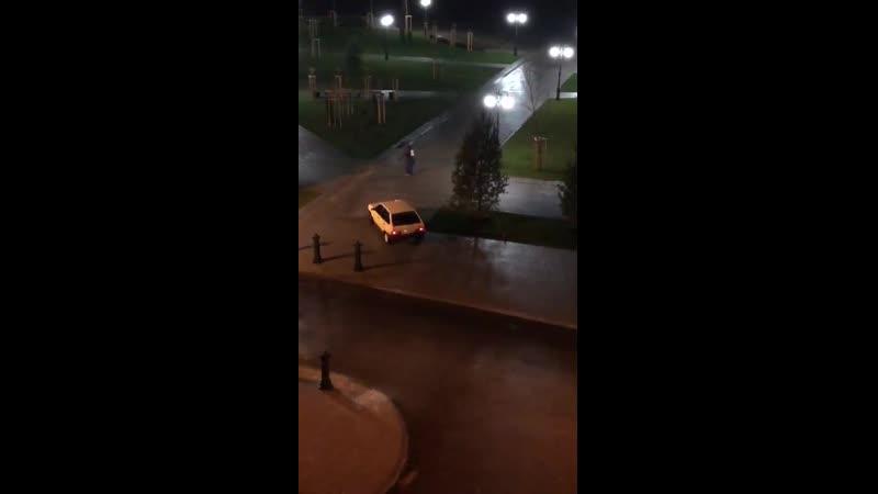 Впору вдоль всего сквера кидать шипы на дорогу Краснодар ЮМР