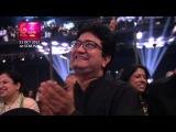 Saif Ali Khan teaching Parineeti Chopra HOW to be a Rockstar at GiMA 2012