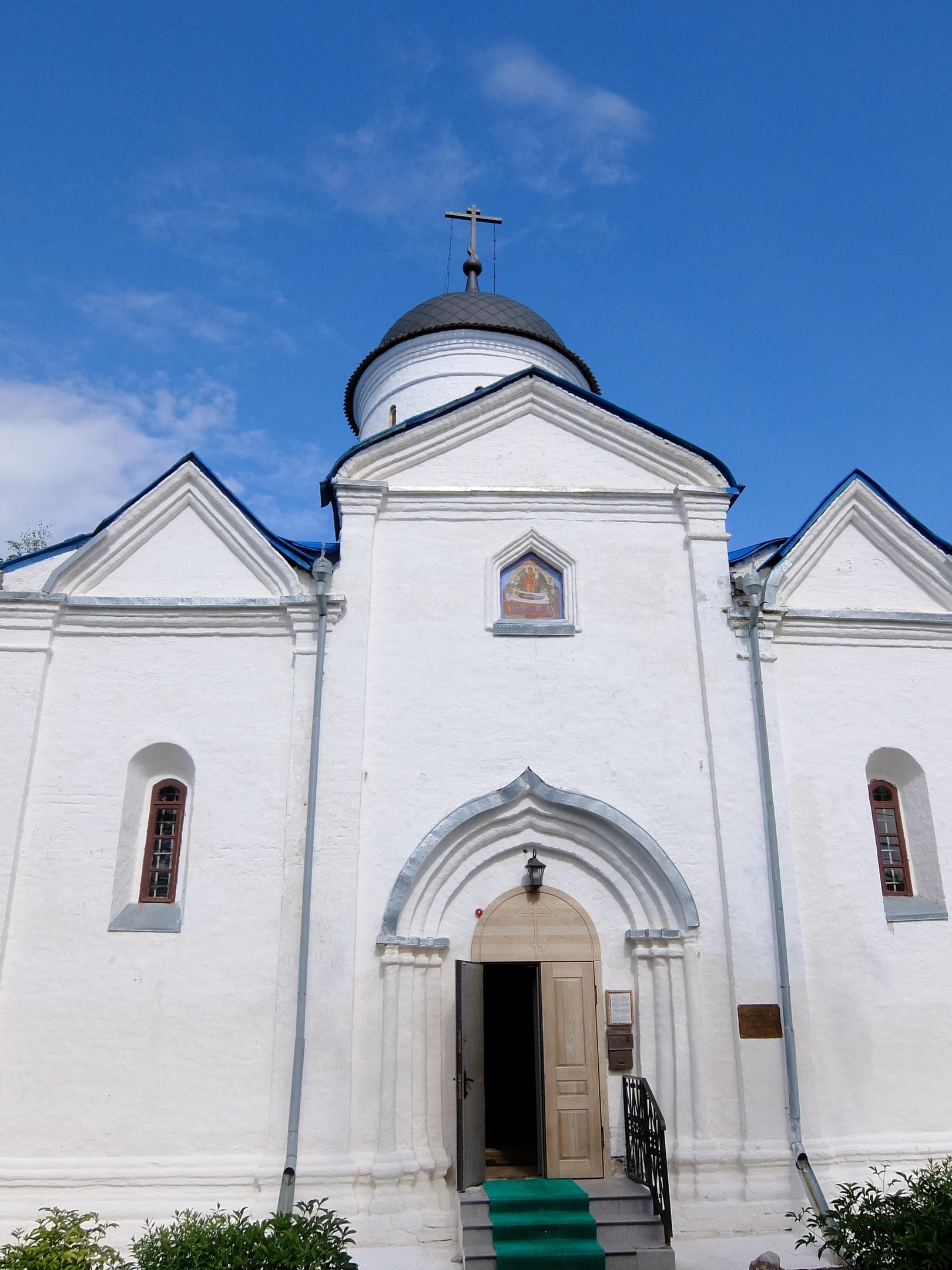 Старинная Успенская церковь