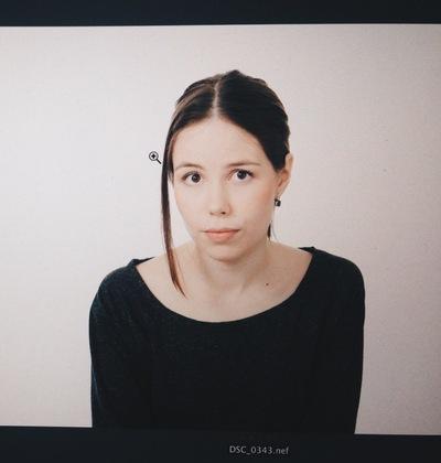 Лиза Жукова