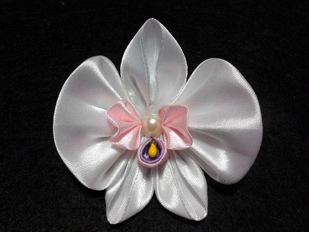 Орхидея из атласных лент видео
