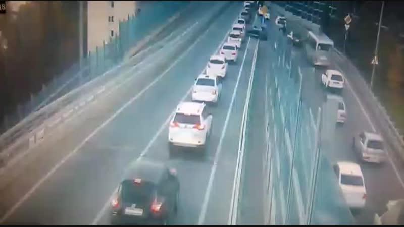 Скутерист погиб столкнувшись с автомобилем Mercedes Benz