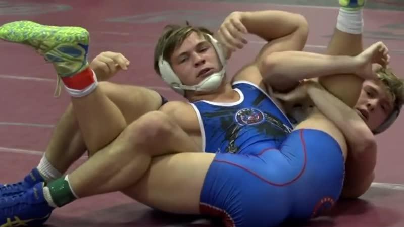 Big Wrestling Bulge and Ass - Aron Lindberg