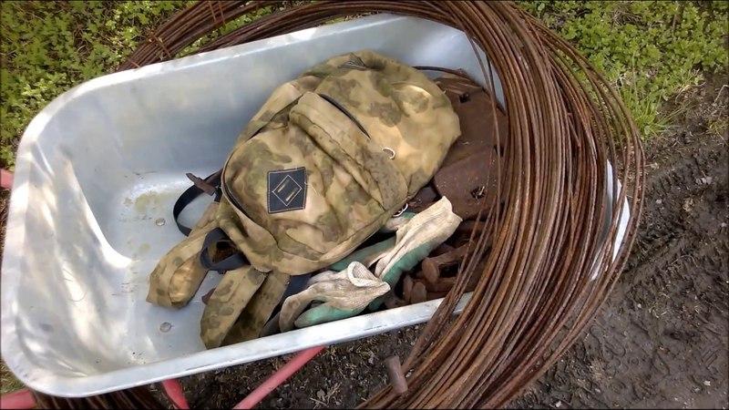 Лопнуло колесо в тележке от такого металлолома) Заработал 2000 рублей за 4 дня.