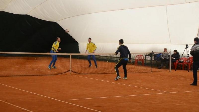 Коноплянка і Ротань vs Зінченко і Маліновський: Гравці збірної України пограли в тенісбол 2