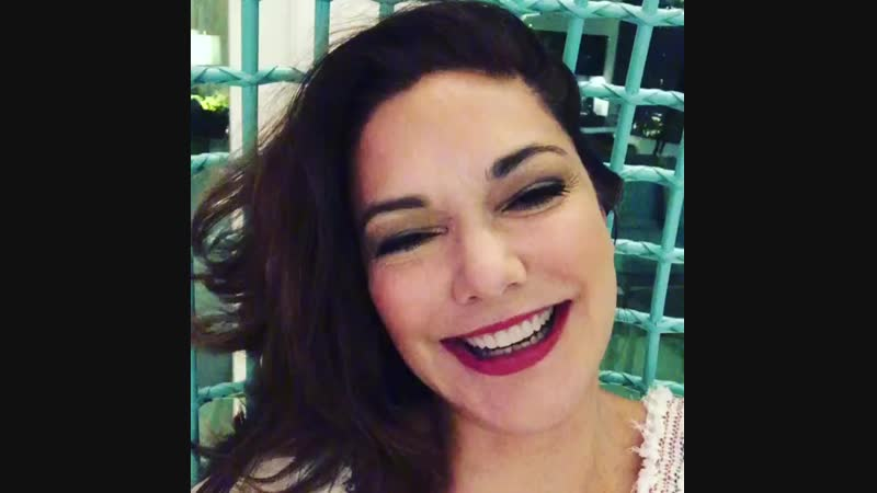 Always smile and giggle whenever you can! lauraswisdom happysaturday weekendvibes ohyeah! bigkiss