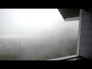 Inside the Bejisa cyclone - January 2014 / 4.30pm (La Reunion)