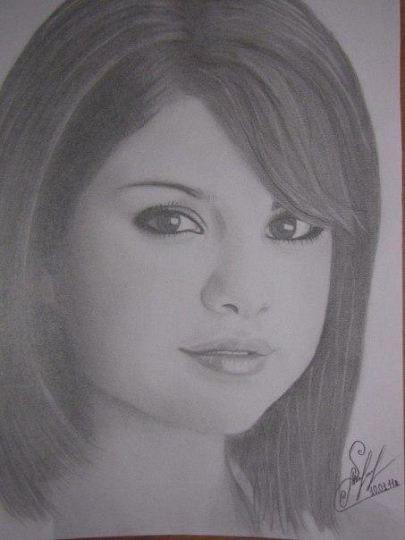 портрет селены гомес карандашом: