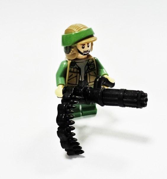 Реалистичное оружие для
