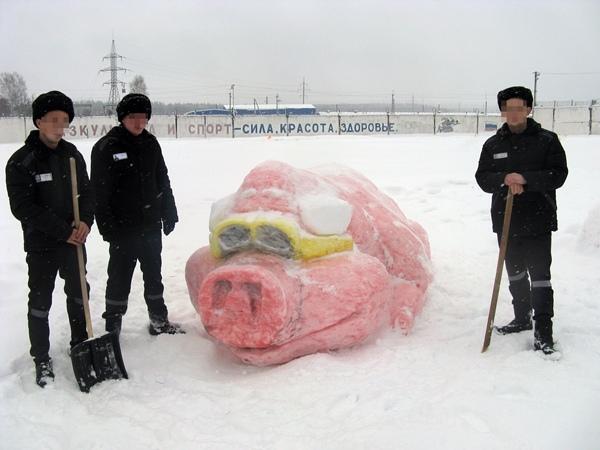 В курских колониях устроили конкурс снежных фигур