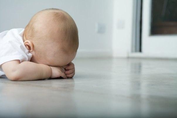 Как мы обижаем своих детей? Один психолог сказал: «При каждой возможности – берите своего ребёнка за руку! Пройдёт совсем немного времени, и он вовсе перестанет протягивать вам свою ладошку!». Всё, что мы делаем в жизни наших детей, возвращается сторицей. Если ребёнок растёт в доверии – он тоже учится доверять другим, если малыша любят и поддерживают, он сам становится внимательным и заботливым. Но есть страшные ошибки, которые взрослые совершают под воздействием гнева или равнодушия, не…