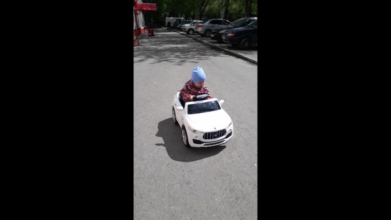 Мой маленький водитель 😍🤗