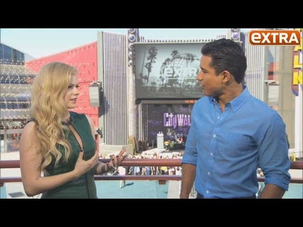 Avril Lavigne Extra TV Interview 24 09 2013