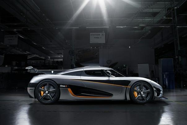 Очень редкие : 2014 oenigsegg One:1 Класс: prototype Тип кузова: 2-door coupe Двигатель: V8 5.0 L twin-turbo Мощность: 1360 л.с. Крутящий момент: 1371 Н·м КПП: DCT-7 Привод: задний Компоновка: