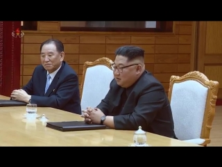 력사적인 제4차 북남수뇌상봉 진행 경애하는 최고령도자 김정은동지께서 문재인대통령과 또다시 상봉하시고 회담을 하시였다