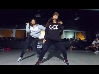 BEING 7 MONTHS PREGNANT DANCERS - Fatou Tera X Sonia Soupha
