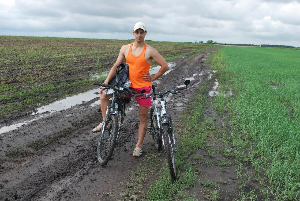 Горный велосипед в грязи