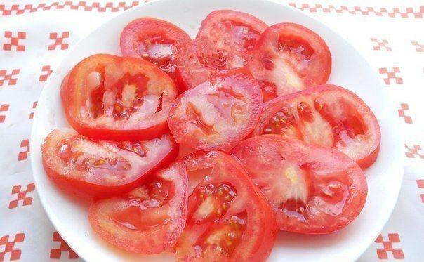 МАРИНОВАННЫЕ ПОМИДОРЫ ЗА 10 МИНУТ ИНГРЕДИЕНТЫ: ● помидоры свежие