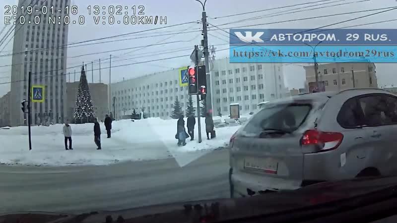 Архангельск. Момент ДТП от первого лица 16.01.19.