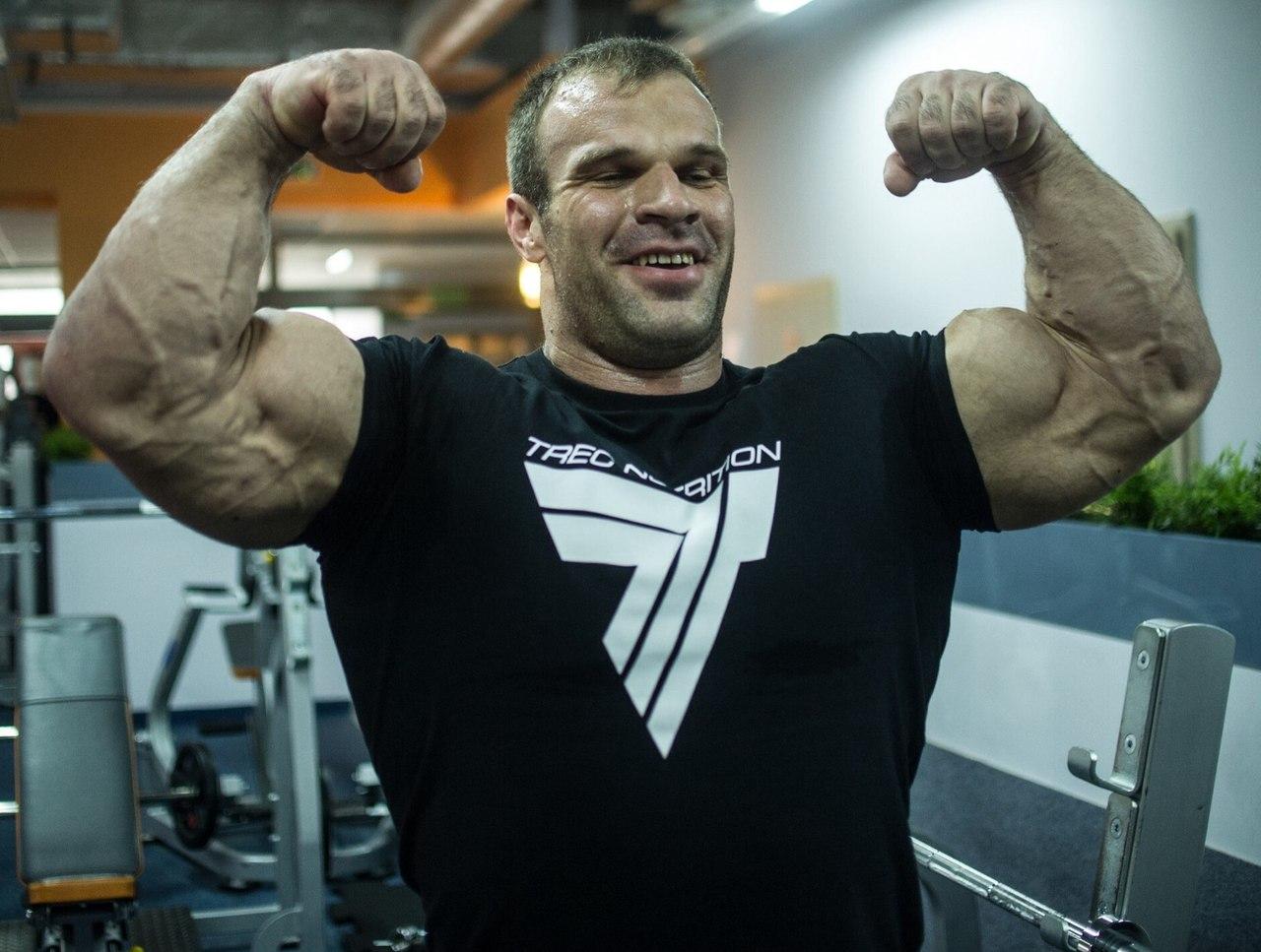 Denis Cyplenkov - double biceps flex │ Photo Source: Trec Nutrition