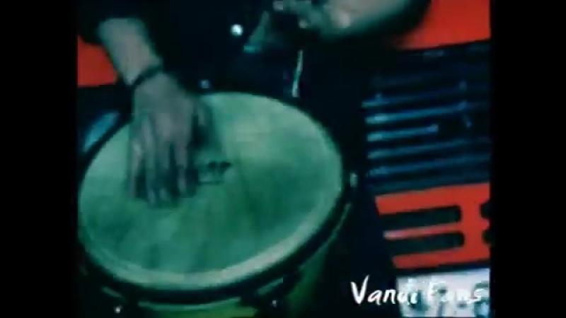 Despina Vandi ( Δέσποινα Βανδή ) - Anaveis Foties ( Official Video )