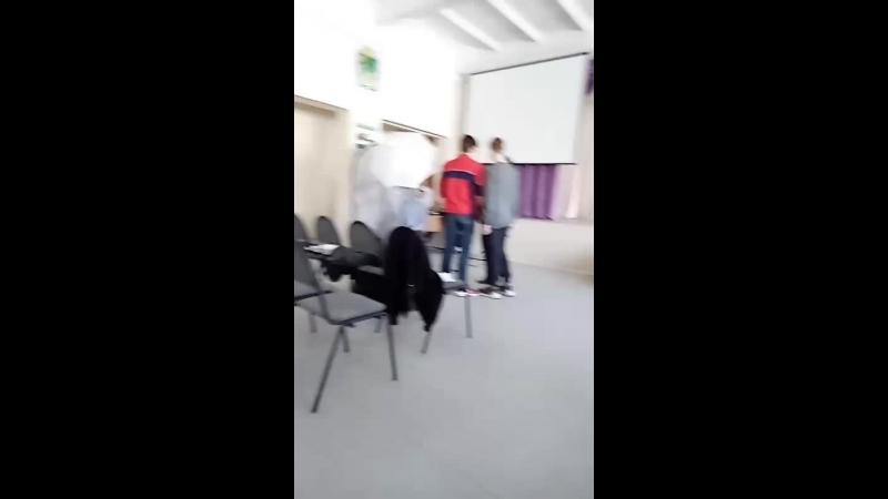 хуй сосу у насти Пономаревой я гей пидрила
