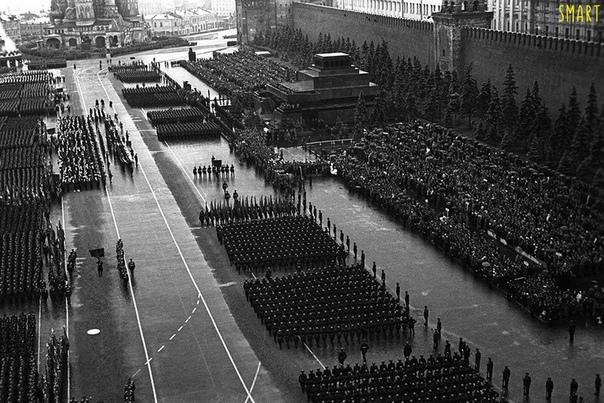 Первый Парад Победы в 1945 году. Слава героям войны!