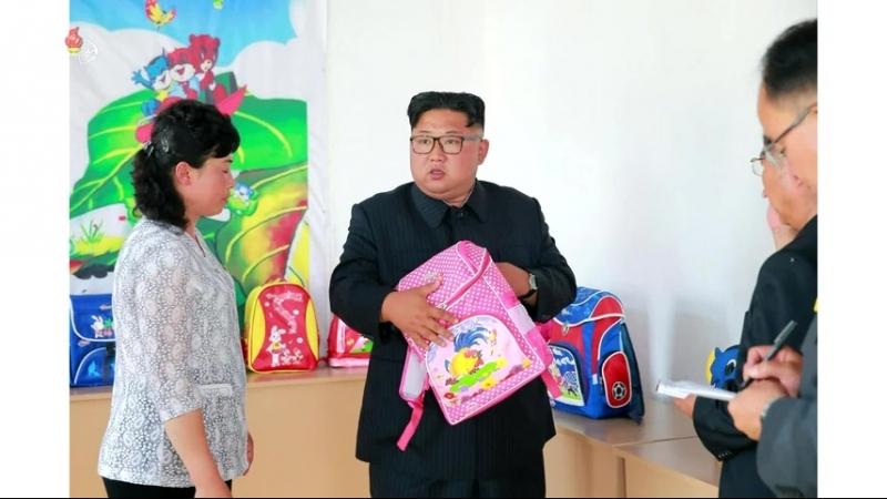 경애하는 최고령도자 김정은동지께서 청진가방공장을 현지지도하시였다