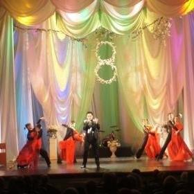 В Таганроге в театре им. А.П. Чехова прошел праздничный концерт, посвященный 8 марта