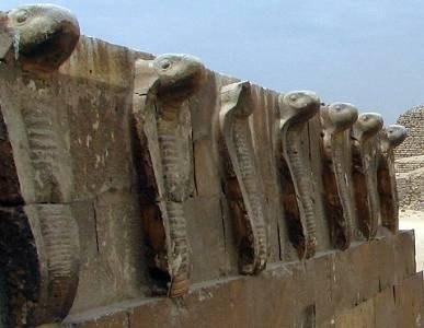 ЛЕГЕНДЫ ДРЕВНЕГО ЕГИПТА - Око Ра и Око Гора. Одним из символов, который буквально пронизывает всю мифологию и историю Египта, и имеет отношение ко многим богам и фараонам является Уаджет в