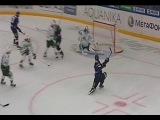 Василевский останавливает бросок Вольски сходу / Andrei Vasilevsky stops Wojtek Wolski's one-timer