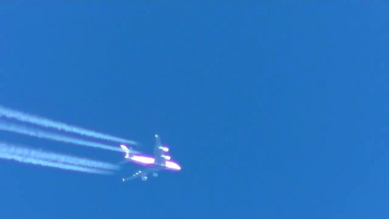 Chemtrail spraying tanker over Moscow on August 31 2017