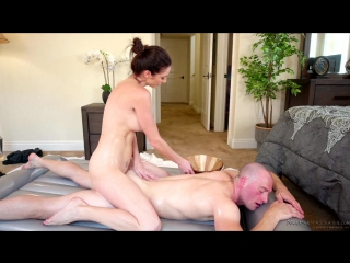 Silvia Saige – My Step-Moms Secret [Fantasy Massage. HD1080, Incest, Massage, MILF]