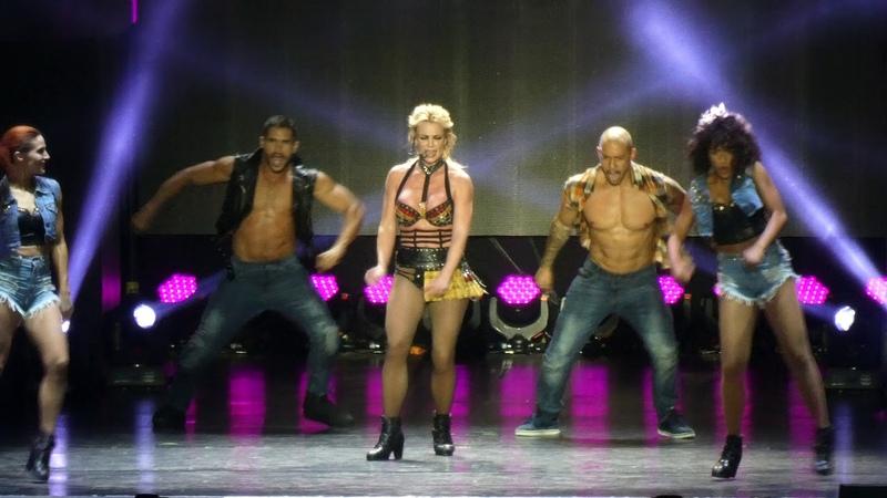 Britney Spears - Gimme More - Piece of Me Tour 2018 - Live @ Sparkassenpark Mönchengladbach