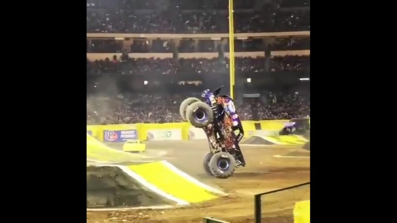 Monster track acrobatics