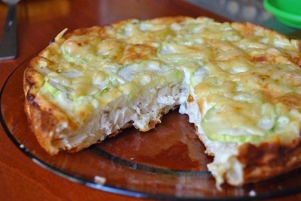 Лёгкий куриный пирог. Ингредиенты: Вареное куриное филе — 300