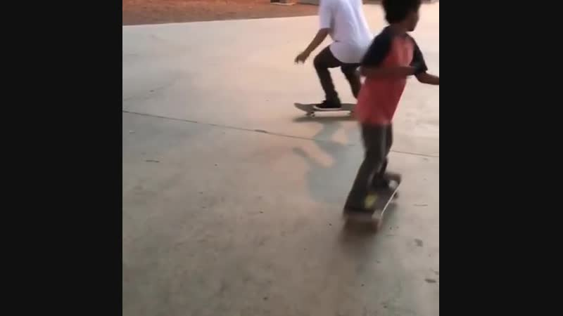 Skateboarder Bangs Mistakenly Into Kid Flipping Him Off