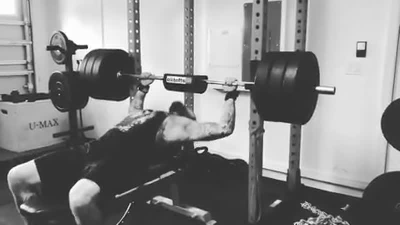 ABlxck | New PR at 295lbs.