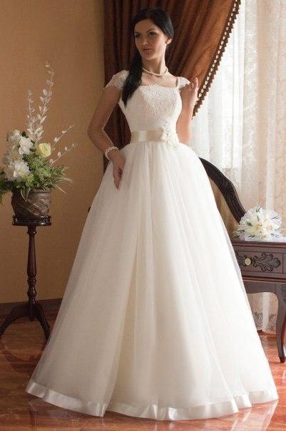 Свадебные платья с закрытыми плечами с кружевами