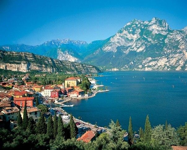 Продолжительный тур в Италию от 501 EUR!   Вылет 5 октября на 21 ночь Необходима виза!  Naica 3*, ВВ - 501 EUR Adler 3*, ВВ - 513 EUR...