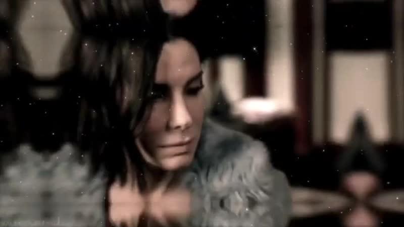 Sandra Bullock in Bird Box vine