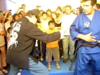 忍術 Chi power test, Hanshi Frank Dux: Koga Yamabushi Ryu Ninjutsu (Dux Ryu) 忍術