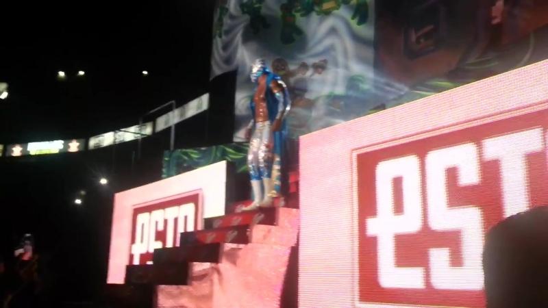 Caristico entrada Arena México.mp4