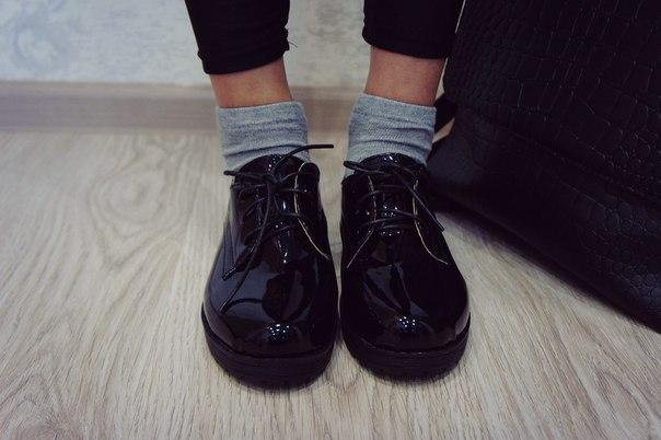 Черные лакированные ботиночки за 13,5$. С момента заказа до получения