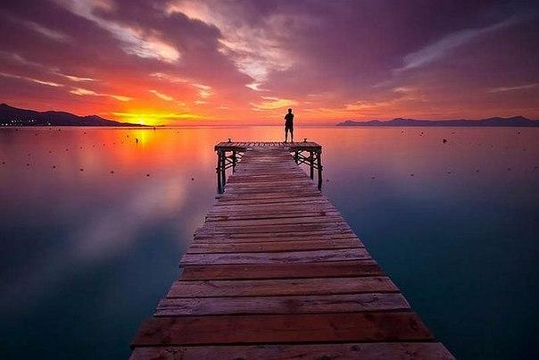От себя ты не уйдешь никуда. Ты — это ты. Нужно только верить в себя. Иначе тебя унесет во внешний, чужой мир, и ты не найдешь дорогу обратно до конца жизни.