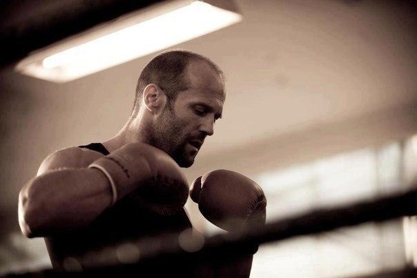 Чтобы жить, надо рваться, путаться, биться, ошибаться, начинать и опять начинать, и опять бросать, и вечно бороться.